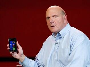 Ballmer: Windows Phone 8 é aposta contra Android e iOS