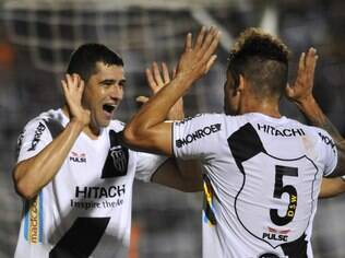 William comemora gol marcado para a Ponte Preta na final do Torneio do Interior