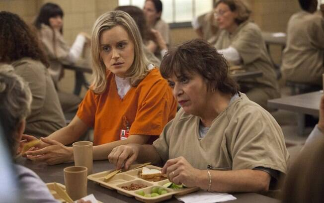 Taylor Schilling e Lin Tucci em 'Orange Is the New Black'