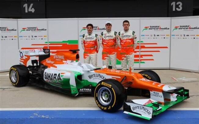 Jules Bianchi, Nico Hulkenberg e Paul di Resta no lançamento do novo carro da Force India