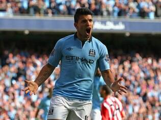 Aguero saiu do banco para marcar o segundo gol do City na partida