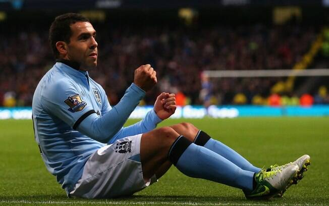 Tevez deve permanecer no Manchester City