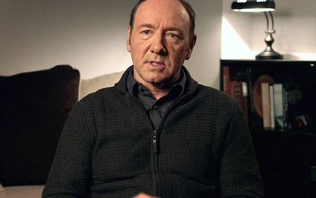 Netflix paralisa 6ª temporada de 'House of Cards — Acusações contra Spacey