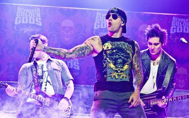 Os integrantes do Avenged Sevenfold durante show no Club Nokia, em Los Angeles, 2012