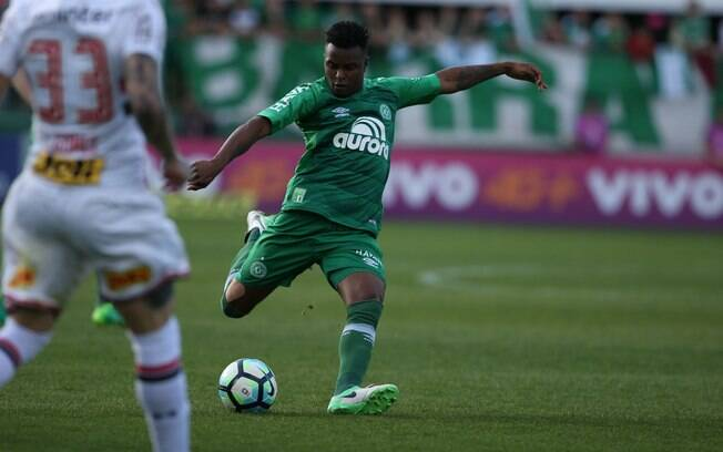 Steering wheel Mozes will obscure Chapecoense for two years