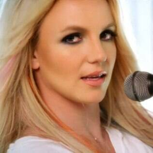 "Britney Spears no clipe de ""I Wanna Go"""