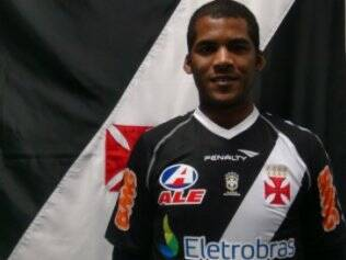 Renato Silva com a camisa do Vasco