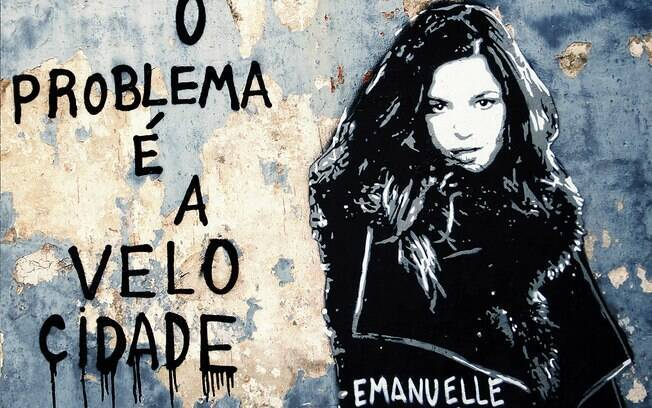 Capa do CD de Emanuelle Araújo
