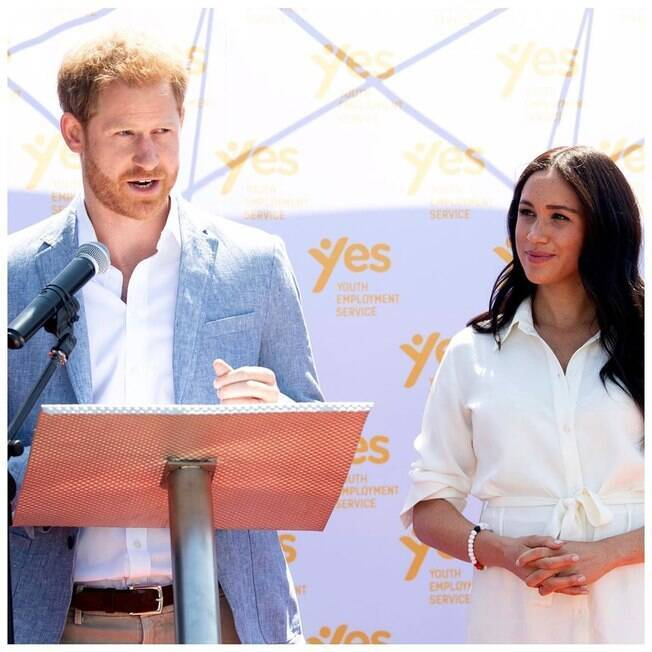 Príncipe Harry defende Meghan Markle e processa tabloide