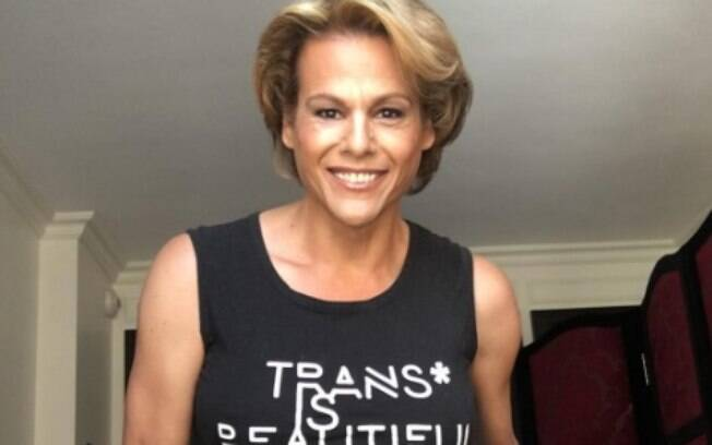 Alexandra Billings interpreta Davina em Transparent
