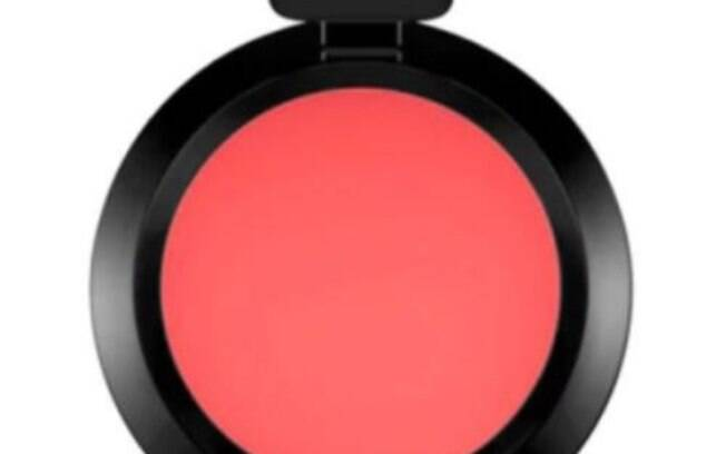 Blush e Sombra Cream Colour Base da Mac por R$ 105,00
