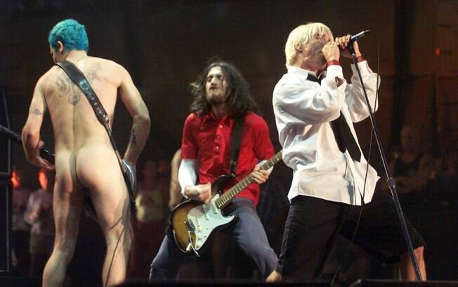 O Red Hot Chili Peppers no polêmico show do Woodstock 1999: incêndio, brigas e estupros na plateia