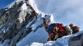 Chineses iniciam escalada no Everest durante pandemia
