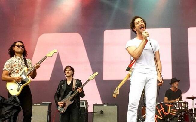 Albert Hammond Jr. se apresenta no Lollapalooza 2016