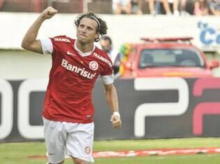 Forlán, atacante do Internacional