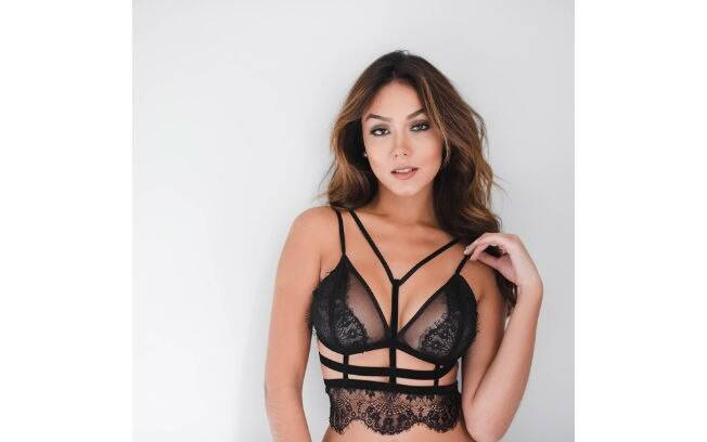 Lingerie: strappy bra, Jofashion