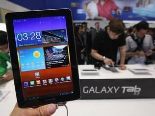 Vendas de tablets Android, entre eles o Samsung Galaxy Tab 7.7, se aproximam das vendas do iPad