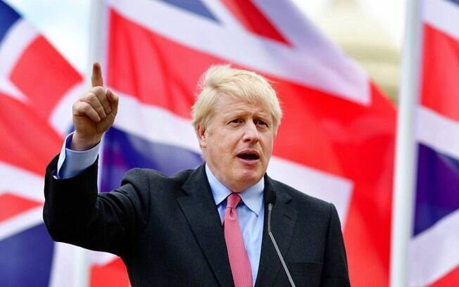 Boris Johnson defende Brexit sem acordo