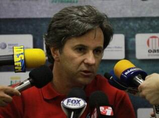 Caio Júnior é o novo técnico do Criciúma