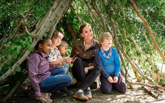 Kate Middleton durante o passeio surpresa