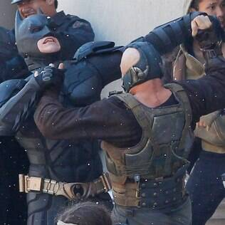 Batman luta com Bane durante as filmagens de 'The Dark Knight Rises'