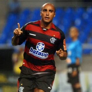 Deivid, do Flamengo, interessa ao Santos